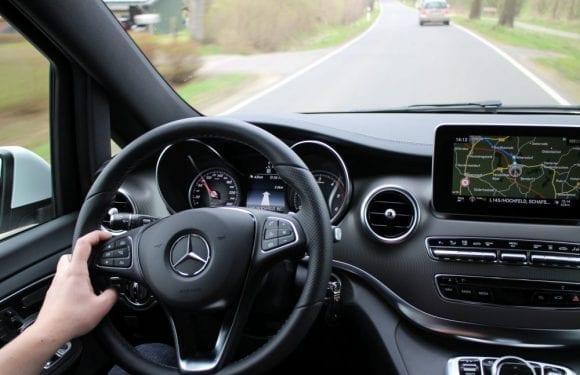 Mercedes_Benz_V-Klasse_13665950153-e1550218993298.jpg